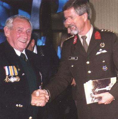 [Thumb - with Brigadier at Arnham reunion.jpg]